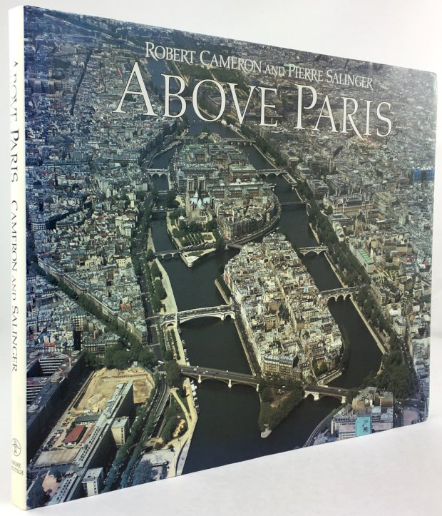 "Abbildung von ""Above Paris. A new collection of aerial photographs of Paris, France. With text by Pierre Salinger."""